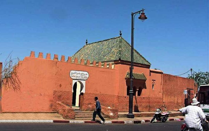 ضريح مؤسس مراكش يستمر في غلق أبوابه للسنة الثانية على التوالي رغم خضوعه للاصلاحات