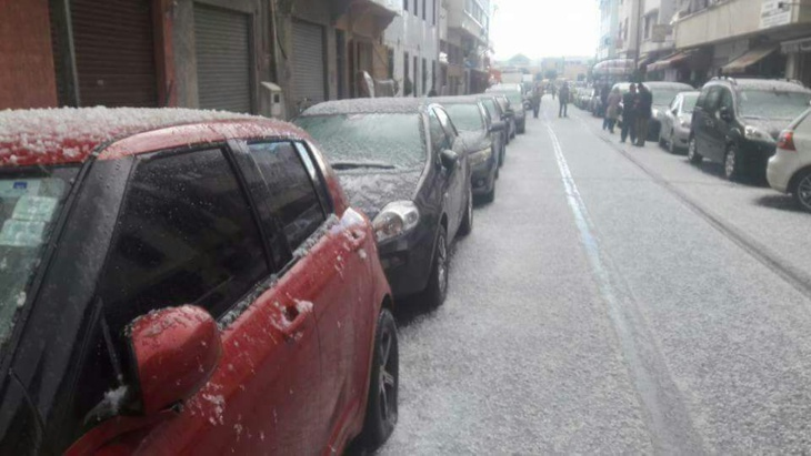 بالصور: في منظر نادر.. الثلوج تكسو العاصمة الرباط