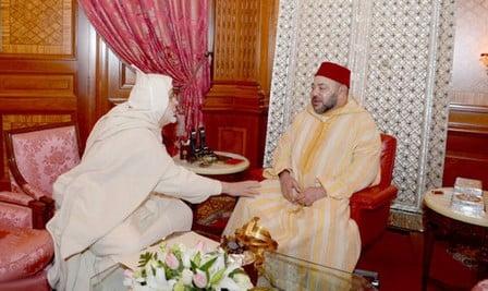 الملك يستقبل جمال الدين البودشيشي القادري إثر وفاة والده الشيخ حمزة القادري بودشيش