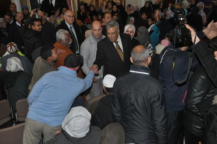 والي جهة مراكش لبجيوي يزور حي سيدي يوسف بن علي ويتابع سير حملة طبية لفائدة الساكنة + صور