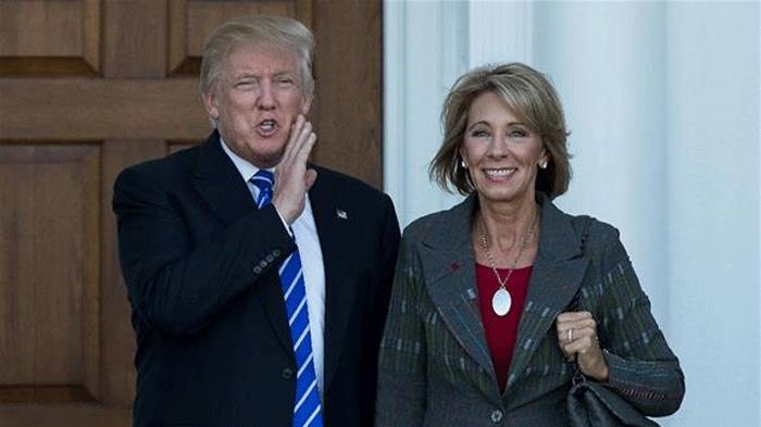 وزيرة التعليم الأميركية الجديدة تقع في خطأ لغوي.. و