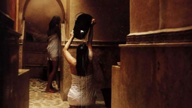 تورط سيدة و3 فتيات في تصوير النساء عاريات في الحمامات الشعبية