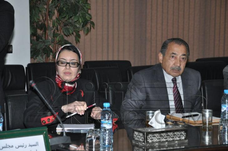 والى جهة مراكش اسفي يعقد اجتماعا مع المتدخلين في قطاع السياحة لمناقشة رؤية 2020 + صور