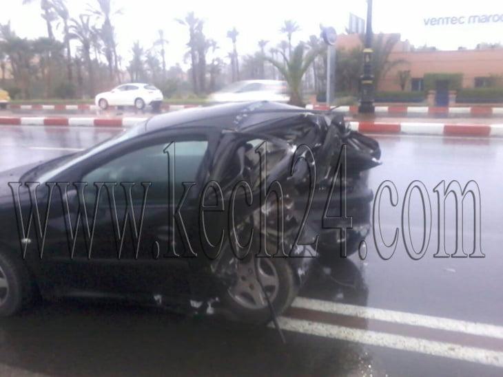 حادثة سير خطيرة إثر إصطدام سيارتين بمراكش + صور