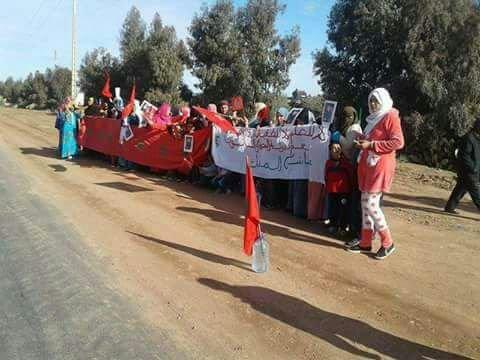 ساكنة ثلاث دواوير بجماعة أغوطيم نواحي مراكش تخرج للإحتجاج بسبب العطش + صور