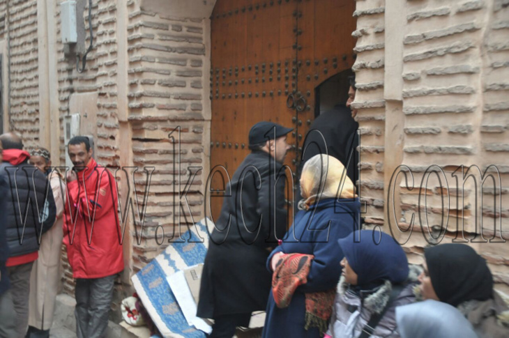 السلطات تدفع بلجنة مختلطة إلى المطعم الذي احتجز صاحبه عمالا بمراكش + صور