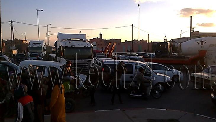 عاجل: اختناق مروري في شارع الحسن الثاني بين ازيكي والمسيرة بمراكش + صور