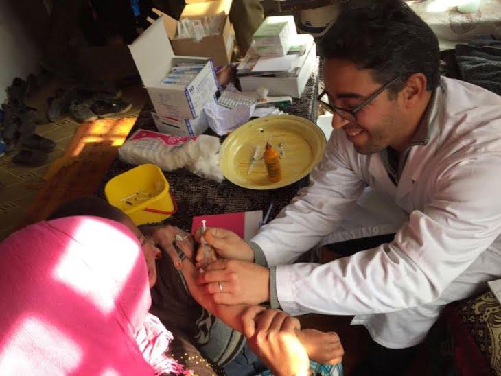 بالصور: المئات من المواطنين بأعالي الجبال ضواحي مراكش يستفيدون من حملة طبية