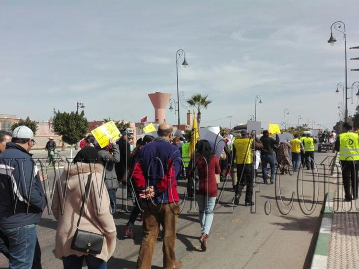 بالصور: كونفدراليو الصحة يخرجون في مسيرة للتنديد بتعنيف ممرضة وإجهاضها نواحي مراكش