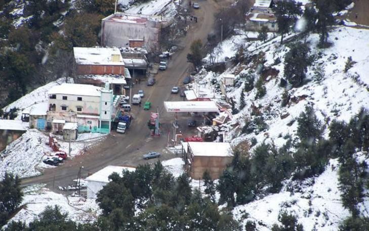 مديرية النقل تتمكن من إزاحة الثلوج وفتح الطريق الرابطة بين إفران وجبلي هبري ومشليفن