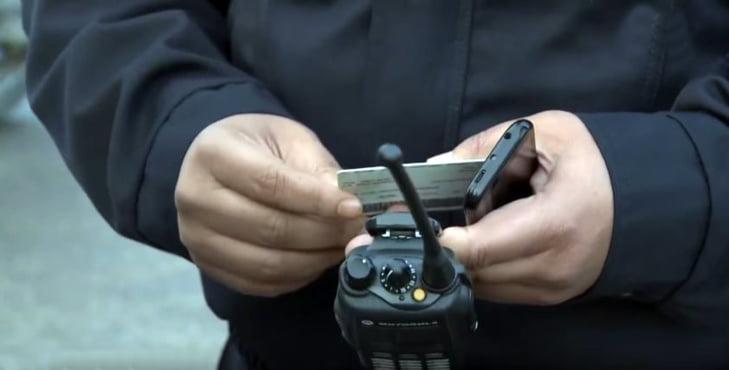 الصدفة تقود شرطة النجدة لاعتقال متهم بإصدار شيكات بدون رصيد