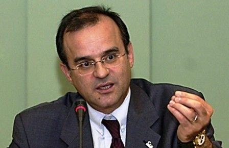 الإفراج عن عبد الحنين بنعلو المدير العام السابق للمكتب الوطني للمطارات