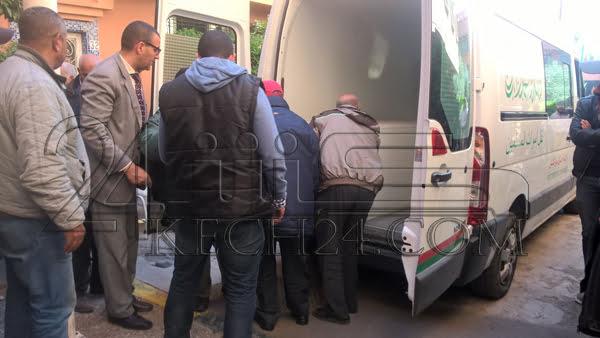 بالصور: وصول جثمان الشرطي الذي لحق بوالدته المتوفيه بمراكش قبيل تشييع الى مثواه الاخير