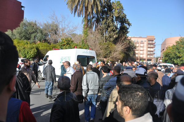 بالصور: جنازة مهيبة تشيع جثمان الضابط