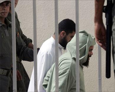 جنايات سلا تدين 26 متهما متابعين في قضايا تتعلق بالإرهاب