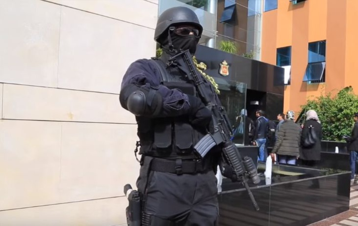 توقيف أجنبيين يشتبه في ارتباطهما بشبكة إجرامية تنشط في الجريمة المنظمة العابرة للحدود