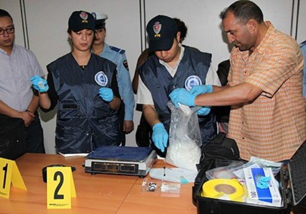 توقيف مواطن كولومبي متلبسا بمحاولة تهريب كمية من الكوكايين بمطار محمد الخامس