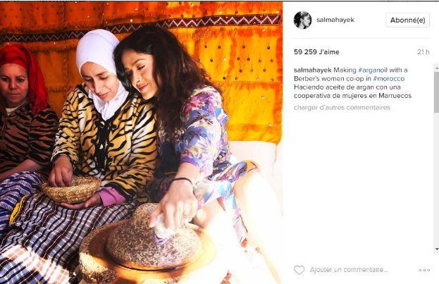 نجمة السينما العالمية سلمى حايك تزور تعاونية نسوية بمراكش + صور
