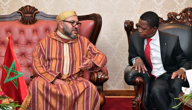 الملك محمد السادس يجري بلوساكا مباحثات على انفراد مع رئيس جمهورية زامبيا