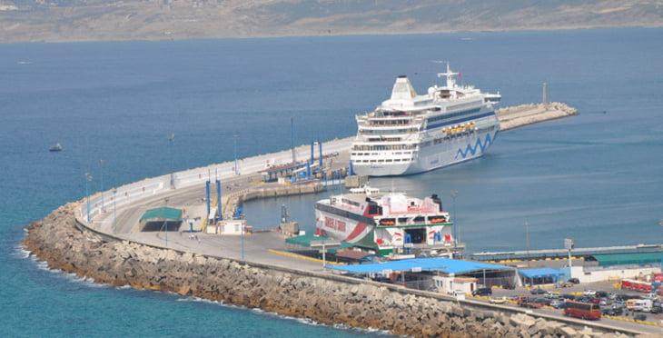 تعليق الرحلات البحرية بين ميناءي طنجة وطريفة الإسباني بسبب سوء الأحوال الجوية