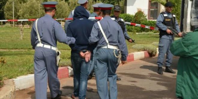 الدرك الملكي يعتقل شخصا بتهم إصدار شيكات بدون رصيد والنصب والإحتيال بشيشاوة