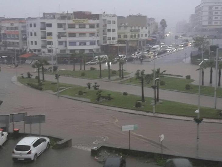 السيول تغرق الرباط وسلا وتستنفر مختلف المصالح بالمدينتين + صور