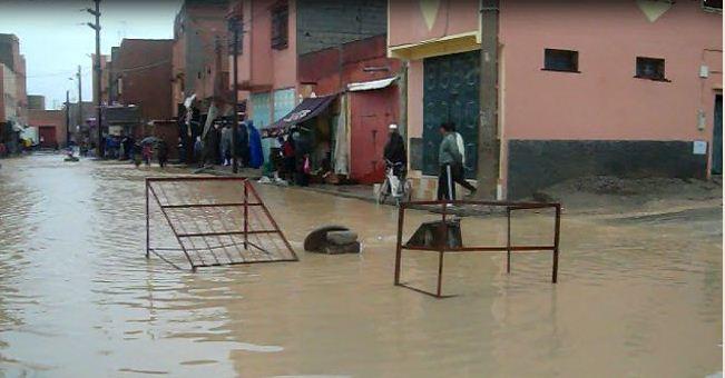 حقوقيون يطالبون بقناة لتصريف مجرى واد بسيدي الزوين بعد اجتياح السيول لمركز الجماعة