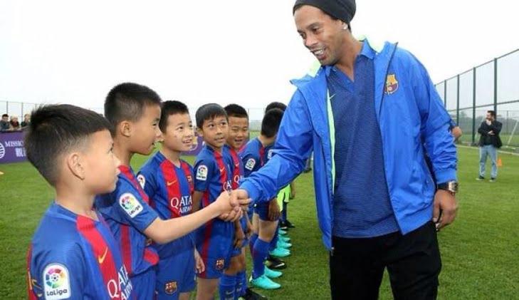 نادي برشلونة يفتتح أكاديمية لكرة القدم بهذه الدولة