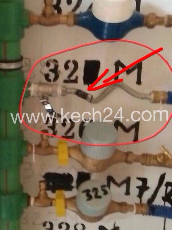 صاحب محل تجاري بمراكش يسرق الماء بالعلالي + صورة حصرية