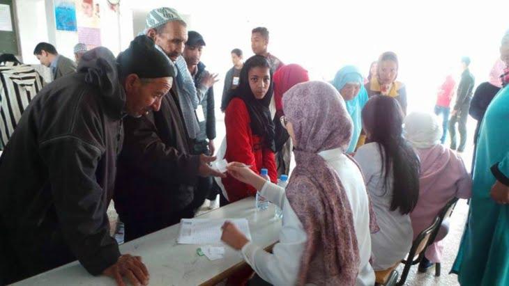 مصالح وزارة الصحة بجهة مراكش تنظم حملة طبية لفائدة مواطنين بضواحي الصويرة + صور