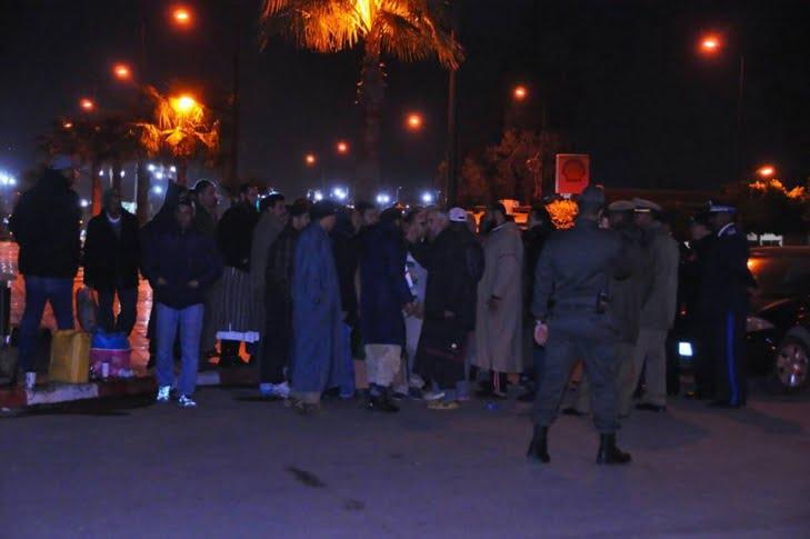 سلطات مراكش تنجح في إقناع المعتصمين على رفع أشكالهم الإحتجاجية من أمام ولاية الجهة + صور