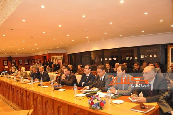 انطلاق اشغال دورة المجلس الجماعي بحضور الوالي لبجيوي + صور
