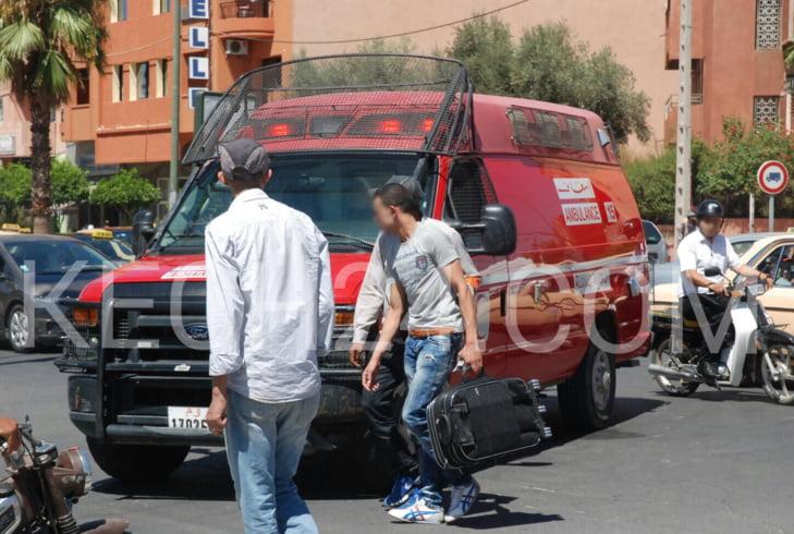 عاجل: دراجة نارية تصدم سائق عربة لنقل الدجاج وترسله إلى المستعجلات بمراكش