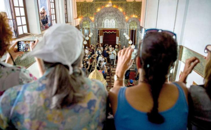 مراكش تجمع أبناءها دون تفريق بين ديانة واحد على الآخر