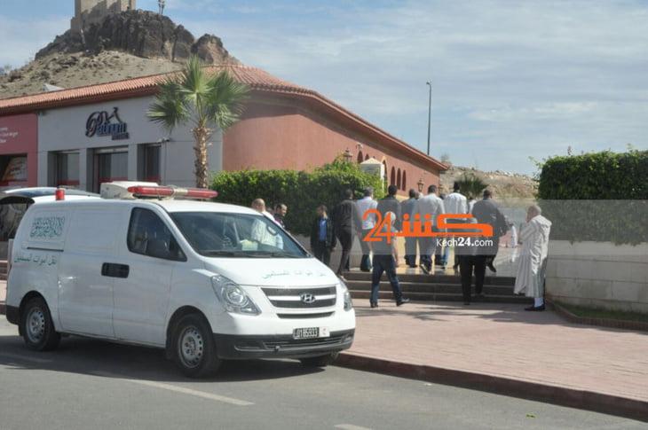بالصور: وصول جثمان الشاب نجل المسؤول القضائي المقتول على يد المافيا لبيت أسرته بمراكش