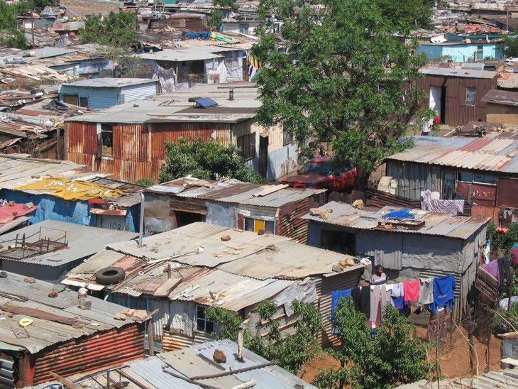 أزيد من 18 ألف أسرة استفادت من معالجة الأوضاع السكنية لقاطني دور الصفيح بجهة مراكش آسفي