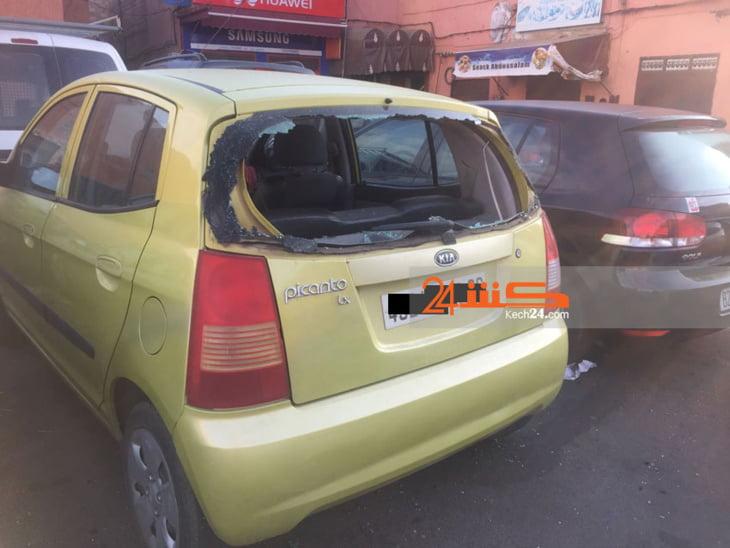 خطير: تهشيم زجاج سيارات مواطنين بالمدينة العتيقة لمراكش + صور