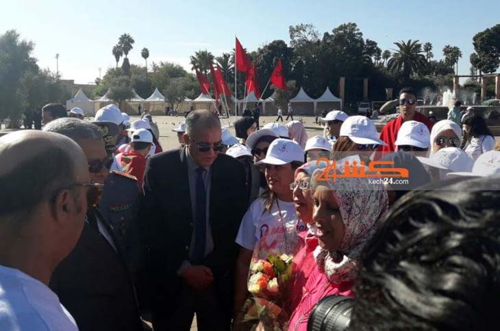 والي جهة مراكش يشرف على انطلاقة مسيرة ضد سرطان الثدي + صور