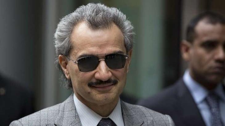 """إيقاف 11 أميراً بينهم """"الوليد بن طلال"""" و4 وزراء حاليين وعشرات السابقين في السعودية"""