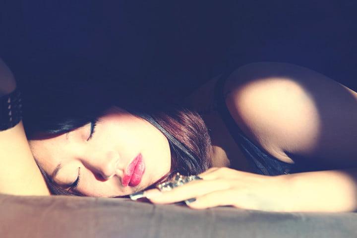 لماذا لا نختنق أثناء النوم؟