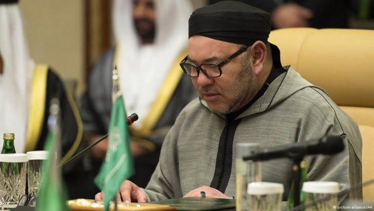 الملك يعزي العاهل السعودي إثر وفاة الأمير منصور بن مقرن بن عبد العزيز