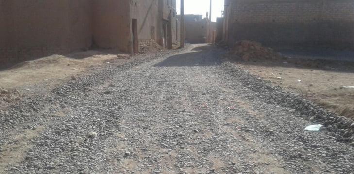 أشغال التبليط تخنق قنوات الصرف الصحي بسيد الزوين نواحي مراكش ومتضررون ينتفضون