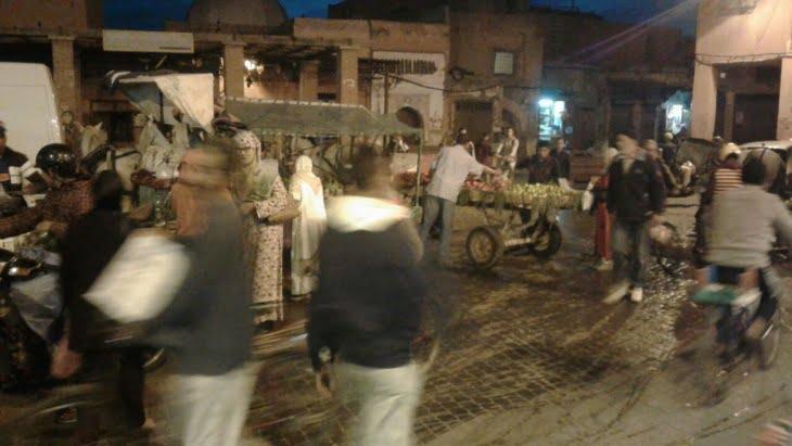 تنامي احتلال الملك العام والفوضى بالمدينة العتيقة لمراكش يؤرق الساكنة وسط تجاهل السلطات