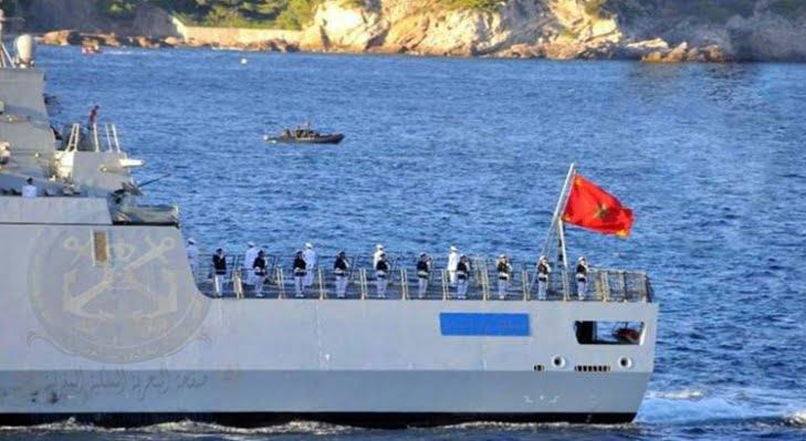 البحرية الملكية تتدخل لإنقاذ مركب صيد من الغرق كان على متنه 16 بحارا