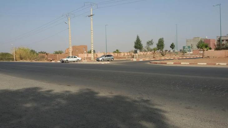 مطالب بإحداث مدارة بمدخل دار السلام على الطريق الوطنية بجماعة السعادة المتاخمة لمراكش