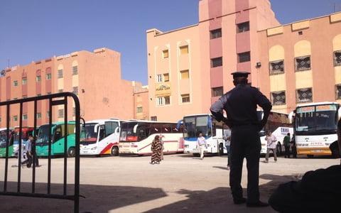 الحكومة تقرر مراجعة وتحديد الأسعار المتعلقة بالادوية وحافلات النقل الطرقي