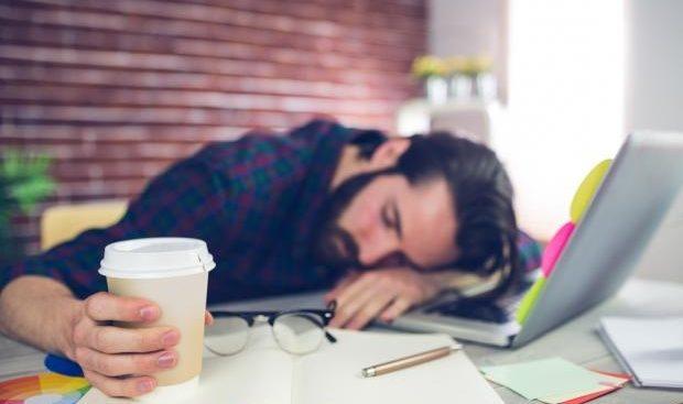 هذه 6 أسباب وراء شعورك الدائم بالتعب والإرهاق