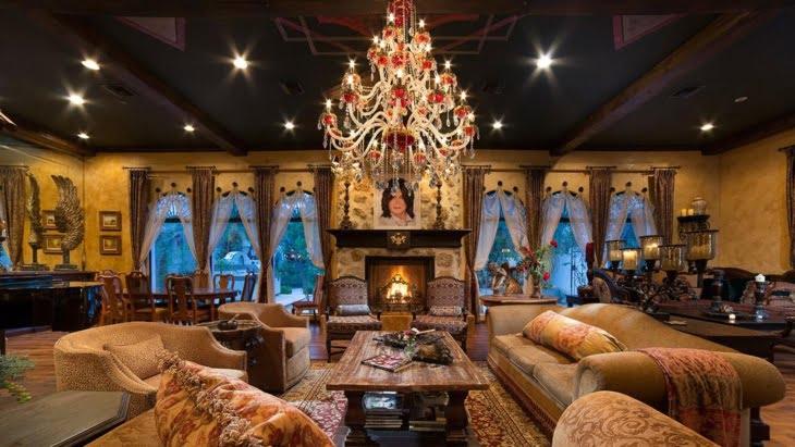 ملياردير مغربي يعرض قصر الراحل مايكل جاكسون للبيع + صورة