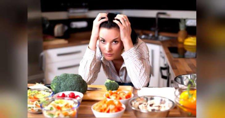 تعرف على أكثر الأطعمة التي تزيد من القلق