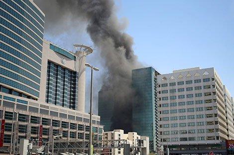 حريق مهول يودي بحياة 12 شخصا وجرح العشرات داخل فندق فاخر